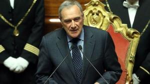 Il presidente del Senato a Carrù dopo le polemiche per aver abbandonato il PD