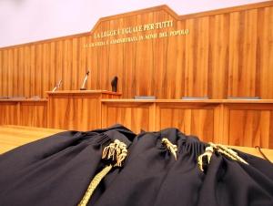 Condannato a sette anni per sfruttamento della prostituzione, ma il reato è prescritto