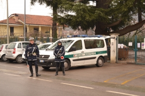 Fermato autobus: trasportava turisti, ma non era assicurato