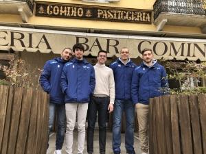 Atleti del VBC Mondovì in visita dallo sponsor Bar Pasticceria Comino