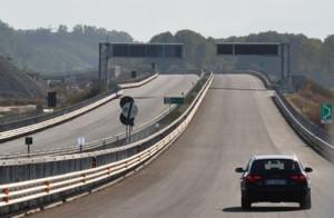 Lunedì a 'Report' si parla di Asti-Cuneo