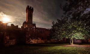 A Busca una passeggiata 'gotica' notturna a lume di candela