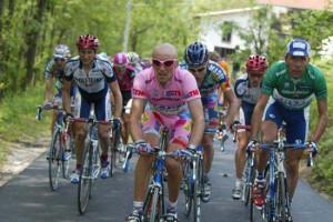 #GiroinGranda: 2002, il doping è ancora padrone del Giro
