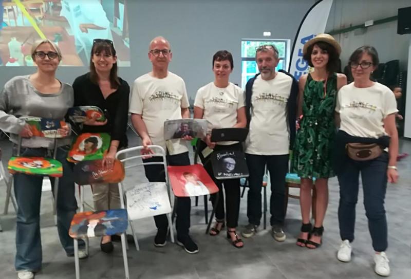 Dogliani: battute all'asta le sedie del progetto 'Stumse'