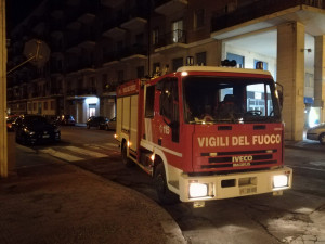 Nella notte incendio in un condominio di via San Giovanni Bosco