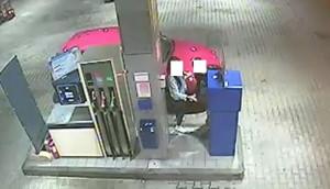 Scoperti a bordo di un'auto rubata: denunciati per ricettazione due giovani braidesi