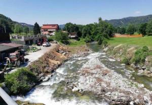 I forestali della Regione al lavoro sul torrente Ellero a Roccaforte Mondovì