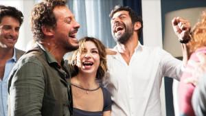 Bra, cinema sotto le stelle: a San Matteo 'A casa tutti bene'