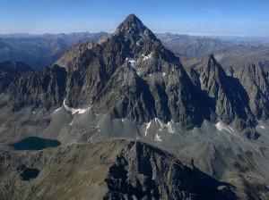 Tragedia sul Monviso: morto l'alpinista precipitato durante la discesa
