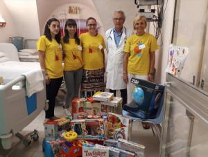 L'Estate Ragazzi di Bra dona giochi al reparto di pediatria dell'Asl Cn2