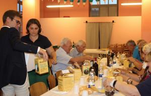 I 'barachin' di Terra Madre per 60 nonni civici volontari di Alba