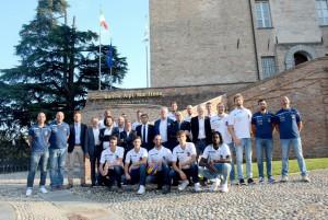 I giocatori della 'Bam Acqua S. Bernardo' ospiti della Banca Alpi Marittime