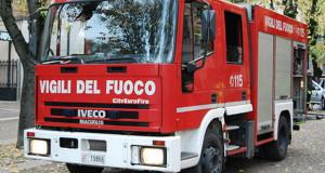 Incidente a Costigliole Saluzzo, furgone finisce su alcune auto parcheggiate