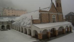 Nevica in alta quota: chiusi il Colle della Lombarda e la strada tra Pian della Regina e Pian del Re