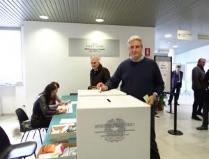 Oggi l'election day per la Provincia, Borgna ha già votato