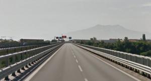 Lavori sulla pavimentazione, senso unico alternato sull'Est-Ovest a Cuneo