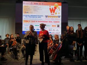 La Manassero cita il nuovo singolo di Guccini e Vecchioni