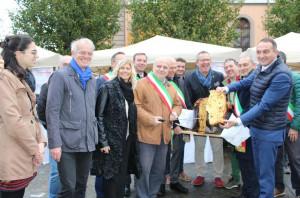 Alba: piazza Garibaldi ha ospitato le eccellenze dei Comuni di Octavia