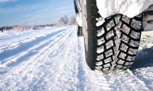 Da domani scatta l'obbligo di pneumatici invernali o catene a bordo