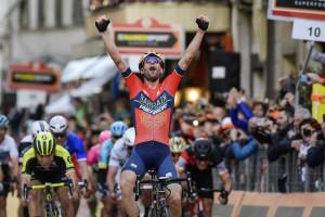 Vincenzo Nibali al Pala Ubi Banca per l'anteprima del 'Cuneo Montagna Festival'