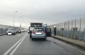 Incidente sul viadotto Soleri, rallentamenti al traffico