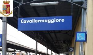 Rapinano un giovane sul treno Torino-Cuneo, fermati in due