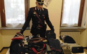 Vendeva merce contraffatta, denunciato un senegalese irregolare