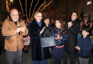 Alba: grande festa per l'accensione dell'albero di Natale donato dalla famiglia Ferrero alla città