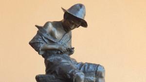 Bra: raccolta fondi per donare una statua al Museo Civico