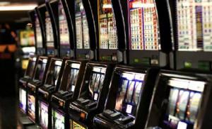 Azzardo, la legge regionale funziona: stabile il gioco online, in calo quello 'fisico'