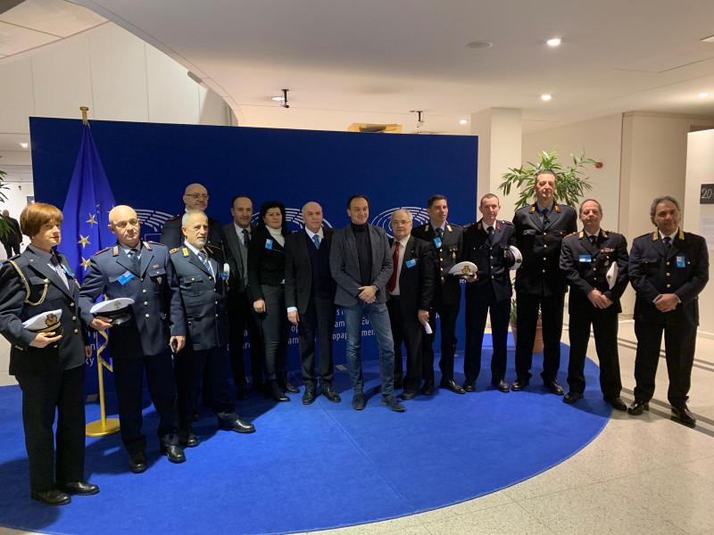 'Più tutela per la Polizia Locale': tre petizioni a Bruxelles