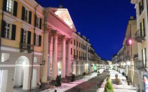 Cuneo, il Duomo si illumina di rosa aspettando il Giro d'Italia