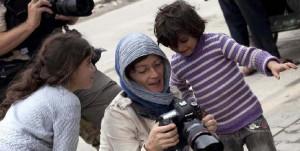 A Cuneo Andreja Restek racconta la vita di una fotoreporter di guerra
