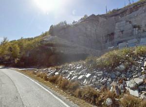 Intervento di bitumatura per la strada provinciale 246 tra Bagnolo Piemonte e Montoso