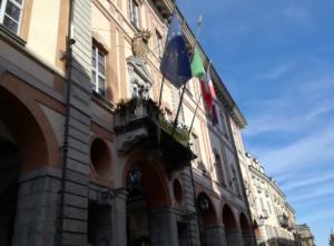 Cuneo: rimossa dal balcone del municipio la bandiera francese