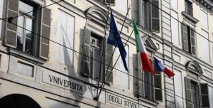 L'Università di Torino segue l'esempio di Borgna: esposta la bandiera francese