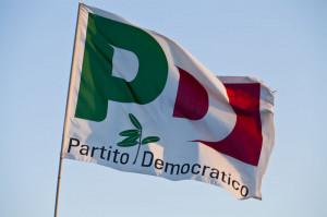 Bandiera francese sul balcone del municipio, il Pd di Cuneo: 'Condividiamo la scelta di Borgna'