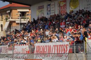 Sputi verso il guardalinee, insulti alla terna e alla Lega Pro: Cuneo multato per il comportamento dei tifosi