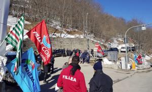 I sindacati (e i sindaci) protestano contro lo stallo dei lavori del raddoppio del tunnel di Tenda