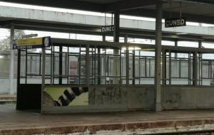 Cuneo, ruba un portafogli e strattona gli agenti della Polfer: condannato per direttissima a un anno e sei mesi