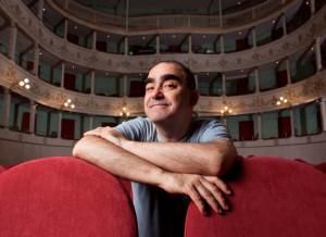 L'Opera Buffa di Elio chiude la 'bella stagione' del Teatro Politeama di Bra