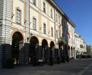 'Eliminiamo la plastica usa e getta dagli uffici comunali di Cuneo'