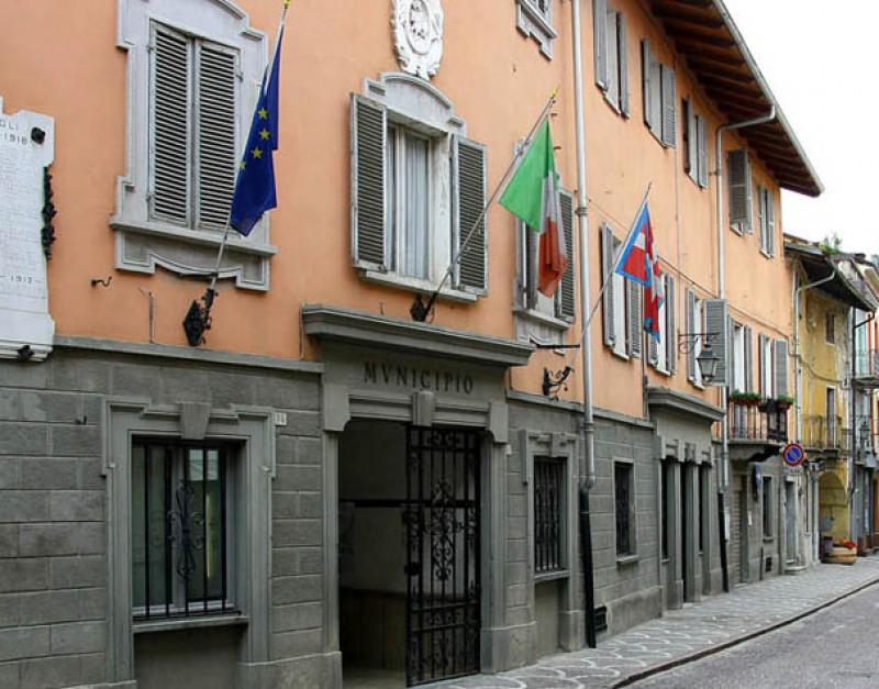 Borgo San Dalmazzo, mercato straordinario venerdì 26 aprile