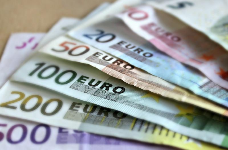 Investe 150 mila euro per ottenere guadagni facili, ma viene raggirato