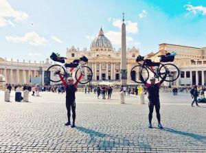 In bicicletta da Cuneo a Roma: l'avventura di due fratelli cuneesi