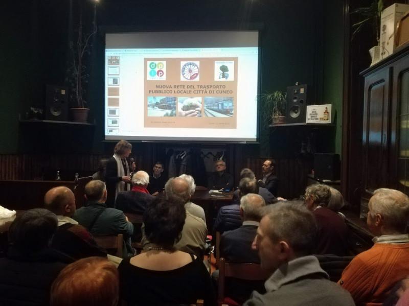 Dalla contestazione al parcheggio sotterraneo di piazza Europa nasce l'associazione 'Di Piazza in Piazza'