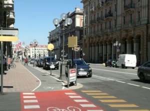 'A Cuneo insufficienti le rastrelliere per parcheggiare le biciclette'