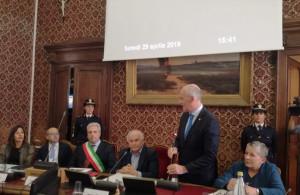 Cuneo, conferita la cittadinanza onoraria alla Polizia di Stato