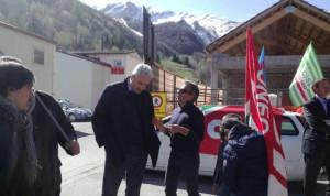 Primo Maggio: la manifestazione dei sindacati davanti alla galleria del Tenda