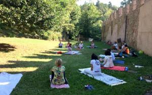 'Benessere al Roccolo' con visita guidata abbinata a lezione di yoga e pilates